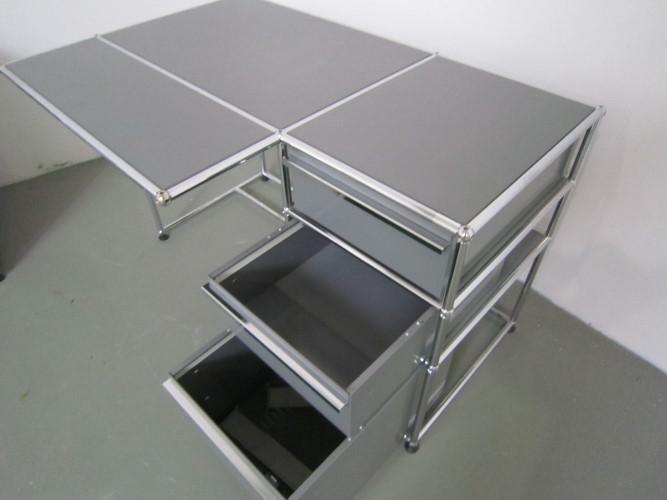 usm haller schreibtisch mit vorbau h ngeregister. Black Bedroom Furniture Sets. Home Design Ideas
